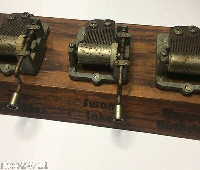 ANTIQUE WOODEN MUSICAL WIND-UP PLAYS 8xDIFFERENT INSTRUMENTAL SONGS