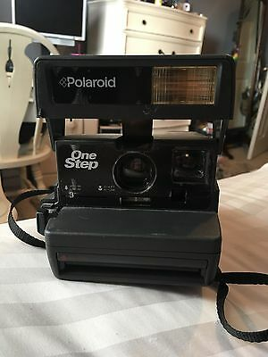 Polaroid One Step Camera with Flash 600 Film Close Up Instant