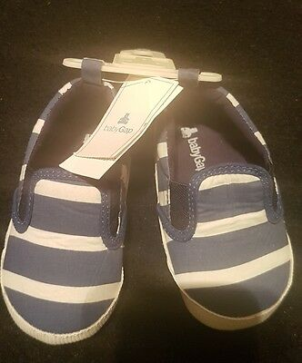 BRAND NEW WITH TAGS Baby GAP Boys Blue White Stripe Beach Shoes Size 18-24M