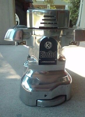 KT Kunzle and Tasin Blizzard Wood Floor Edger Floor Model New