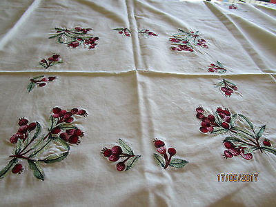 Small Lemon Embroidered Tablecloth - Bunches Of Red Berries