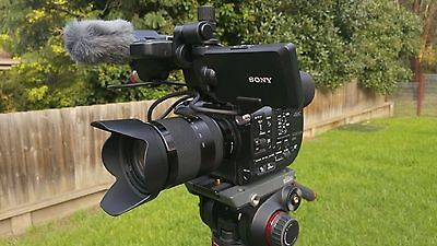 SONY XD CAM PXW FS5 4K Pro Video Camera Package Incl. Sony Lens, mic and bag