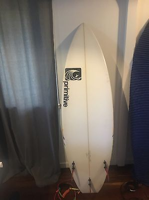 Primitive Surfboard - Custom Paint job - Carbon Fibre Fins - Surfboard Cover