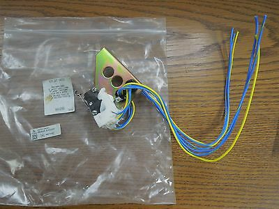 Square D MA11286 10A 1/3 HP 120 or 240V 50/60Hz Auxiliary Switch Used