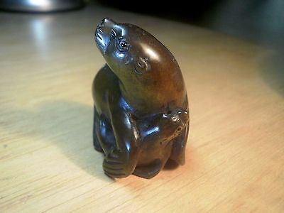Hand carved box wood netsuke seal with pup antique / vintage style collectable