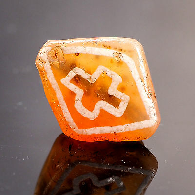 Ancient fine quality  etched Extremely rare CROSS Pattern Diamond Shape  Bead 古珠