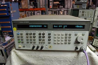HP 8643A SYNTHESIZED SIGNAL GENERATOR 0.26-1030 MHz