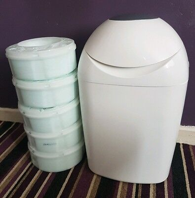 tommee tippee nappy bin with 6 REFILLS!