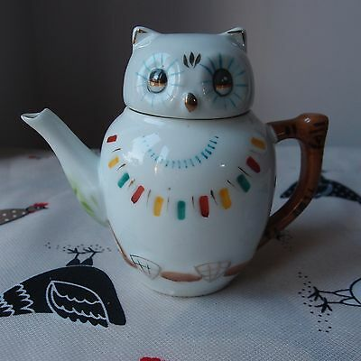 "Novelty Teapot Decorative Chinese Owl - Small 4½"" Tall - Cute"