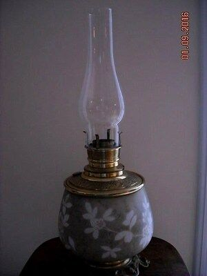 """Antique/Vtg Beautiful Brass Painted Porcelain Base Table Oil Lamp 11.5"""" Tall"""