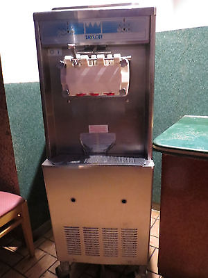 Taylor Co Commerical Ice Cream Machine Soft Serve Model 336-27 Air Cool