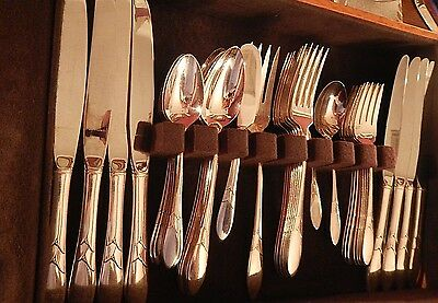 Oneida Community Lady Hamilton Silverplate set for 8 +soups  4 serv pc EXCELLENT