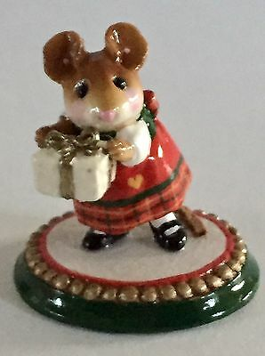 Wee Forest Folk A Wee Present Retired Rare  Limited Very Sweet!!