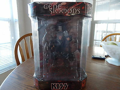 KISS GENE SIMMONS SPECIAL EDITION FIGURE McFARLANE EXCLUSIVEY FOR SPENCER GIFTS