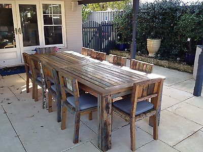 Boat wood outdoor table and chairs