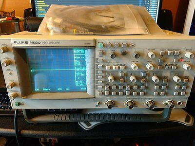 FLUKE PM3082 oscilloscope 100mhz in very good condition AAA+++