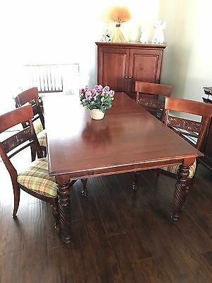 Dinning Room Set with 4 Chairs & 2 Extra Leaves by Ethan Allen / Local Pick-UP