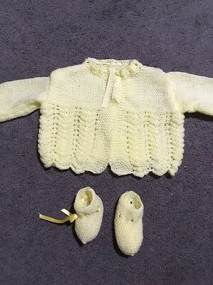 Baby Girls Or Boys Hand Knitted Long Sleeve Cardigan And Booties Size 000 EUC