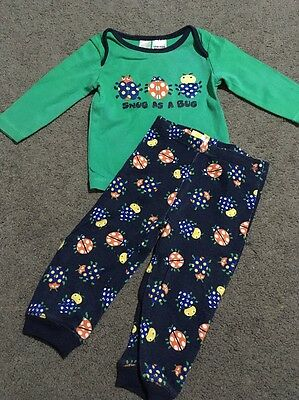 Baby Boys 2 Piece Pyjamas Long Sleeved Top And Pants Size 0 GUC