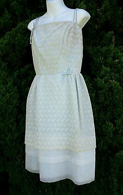 Vintage 1950s/60s prom party dress baby blue white eyelet