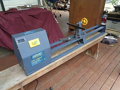 Portable lathe 1000 mm between centres.  Pick up only