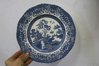 2 x Vintage Wedgwood Co. Ltd Entree Side Plates 22.5cm Shaped Blue Willow