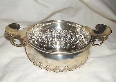 1898 Victorian  Solid Silver 2 Handle Bowl Quaich  Carringtons London  220 grams