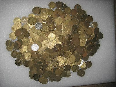 Nice Mix Over 5 Pounds & Over 560 Namco PacMan Arcade Tokens Lot 1B85