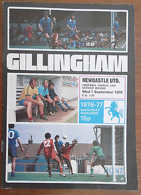 Gillingham V Newcastle United League Cup Football Programme 1-9-1976 Exc Cond