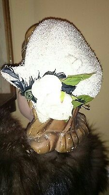 1950s True Vtg Cute White Demi Cap Hat with Flower & Feather Clean Lovely Con