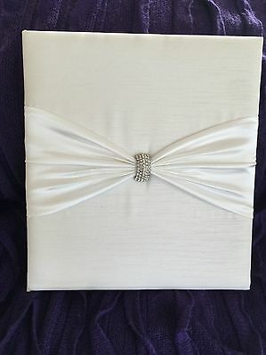 wedding photo albums / engagement present / wedding accessories