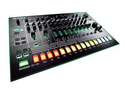 ROLAND TR8 Rhythm Performer - DRUM MACHINE (AIRA)