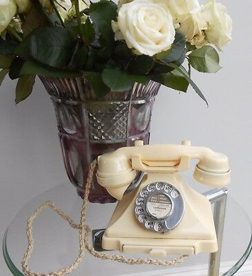 Vintage Cream/White Bakelite Pyramid Telephone (original)