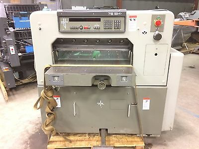 Printing Press 1990 Polar 76EM Paper Cutter with air on bed
