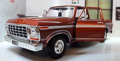 G 1:24 Scale Ford F150 Custom 1979 Pickup Truck Diecast Model Motormax 79346 Red