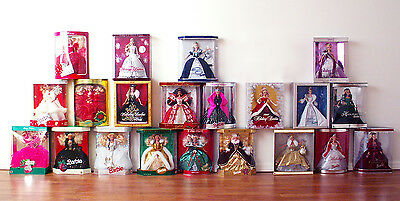 Holiday Barbie Doll 1988 - 2008 + 1997 Blond 2004 Burgundy Red 2005 Green Lot 24