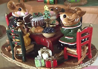 Wee Forest Folk Christmas Family Gathering (7 Day Listing) RETIRED Excellent!