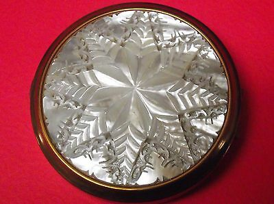 Vtg. Mother Of Pearl Powder Compact Intricately Carved Star Design Gold Tone
