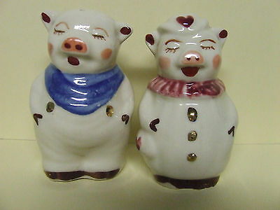 Vintage Shawnee Winnie & Smiley Pig w/Gold Trim Salt & Pepper Shakers