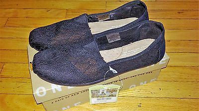 NEW TOMS Women's CLASSICS  Black Lace slip-on Shoes, Size 6.5