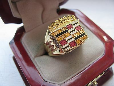 """Superb NEW Mens """"Cadillac"""" CREST Gold Ring"""