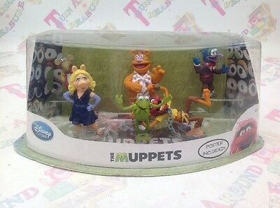 Disney Store The Muppets Most Wanted Plastic Figures With Poster - RARE