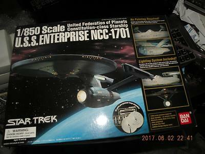 Bandai Star Trek 1/850 Uss Enterprise Ncc-1701 Kit