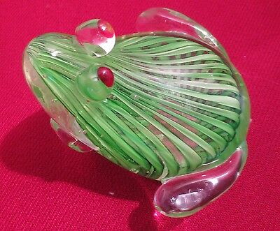 GREEN CRYSTAL HAND BLOWN ART GLASS FROG / Paperweight two tone