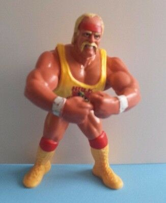 1991 WWF Hasbro Series #2 Hulk Hogan Wrestling Figure with Hulkster Hug!