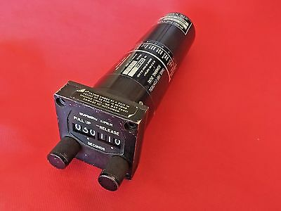 """USAF F105D """"Thud"""" LABS Bombing Timer Instrument in great shape"""