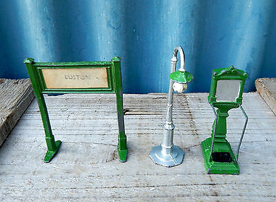 Vintage Lead Model Toy Railway Station Accessories - Euston Sign Lamp Post