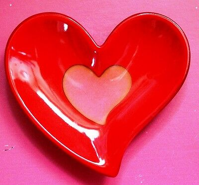 """Red and Pink Porcelain 6"""" x 6"""" Valentine Heart Shaped Candy Dish"""