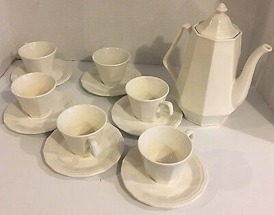 Homer Laughlin COLONIAL WHITE 6 Cup Coffee Pot With 6 Cups & Saucers