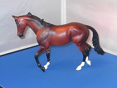 2001 Peter Stone Well To Do Bay Stallion Thoroughbred Model Horse! Nice!